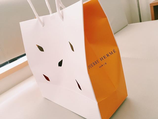 「ピエール・エルメ」ショッピングバッグ