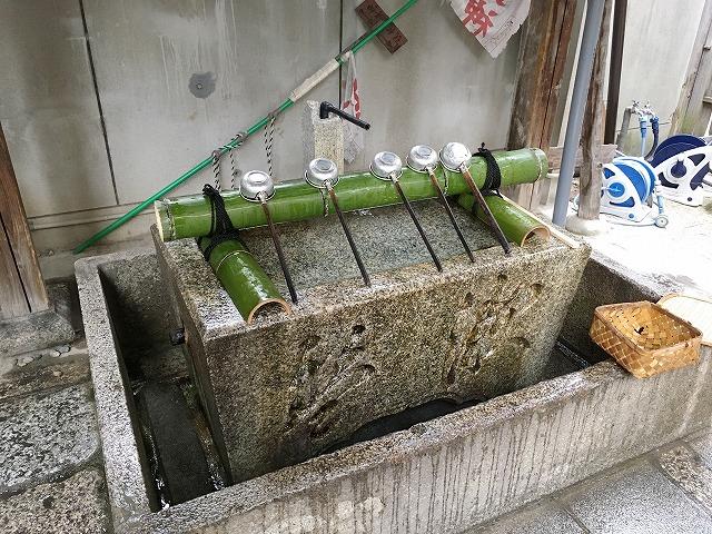 「御金神社」手水舎