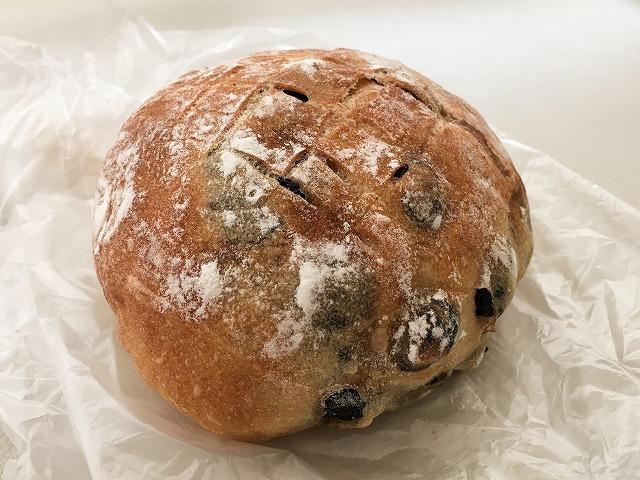 「ハヤシベーカリー」黒豆パン
