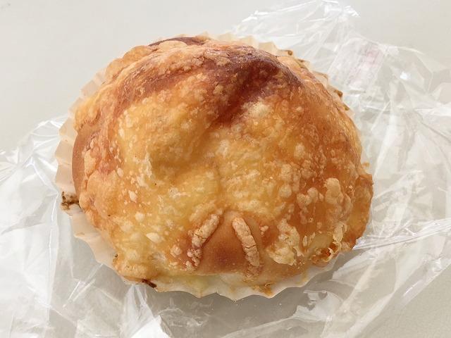 「ハヤシベーカリー」チーズオニオン